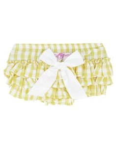 Yellow gingham = summer fun.