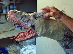 Papier Mache Tiamat - Assemblage de démarrage vert Tiamat Dragon, Paper Mache Crafts, Dragon Scale, Green, Blog, Masks, Artsy, Boards, Couple
