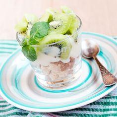 Eton mess fraîcheur aux kiwis Banoffee Pie, Meringue, Eton Mess, Kiwi Recipes, Dessert Original, Exotic Fruit, Panna Cotta, Oatmeal, Mango