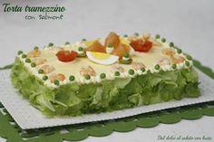Torta tramezzino con salmone, ricetta facile My Favorite Food, Favorite Recipes, Mini Tacos, Arancini, Antipasto, Party Finger Foods, Avocado Toast, Guacamole, Sandwiches