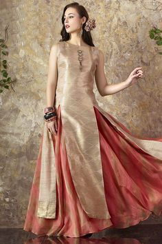 Picture of Stylish gold & peach anarkali with slit Indian Attire, Indian Wear, Indian Dresses, Indian Outfits, Party Wear Frocks, Simple Lehenga, Eid Outfits, Salwar Kameez, Sharara