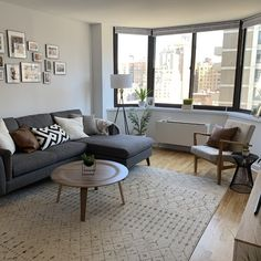 Dark Wood Living Room, Grey And Brown Living Room, Condo Living Room, Small Apartment Living, Small Living Rooms, Living Room Designs, Living Room Ideas With Grey Couch, Grey Carpet Living Room, Gray Couch Decor