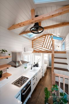 Non-Toxic/No VOC Paint, Wool Insulation, No interior glues, stains, etc! Solid hardwood flooring throughout! Shed To Tiny House, Tiny House Loft, Tiny House Nation, Modern Tiny House, Tiny House Living, Tiny House Plans, Tiny House On Wheels, Tiny House Design, Small Home Interior Design