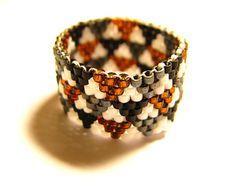 Bague géométrique en perles miyuki blanc, noir, gris et cuivre taille 53-54