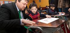 Mesas de cobre del colegio del colegio José Toribio Medina en Ñuñoa (Chile), para ayudar a reducir el absentismo escolar. #AntimicrobialCopper