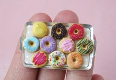 PetitPlat Miniatures by Stephanie Kilgast: How to Make Miniature Donuts - Free Tutorial
