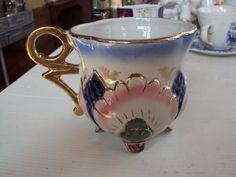 lindissima xicara chá de coleção com 3 pezinhos antiga 1960