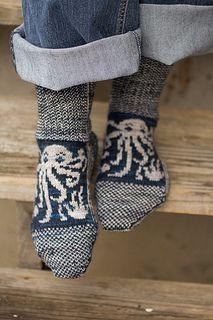 Ravelry: Octopodes by Jennifer Raymond. Free pattern. Because everyone needs a pair of Cthulu socks!