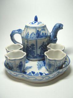 Chinese Ceramics...Tea Set.