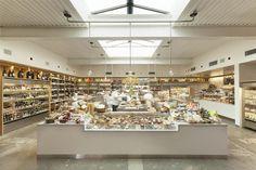 """Farmshop"" by Commune Design/Restaurant and Market Design Brentwood, California 2012 Cafe Design, Store Design, Interior Design, Interior Shop, Brewery Restaurant, Restaurant Design, Pharmacy Design, Retail Design, Retail Solutions"