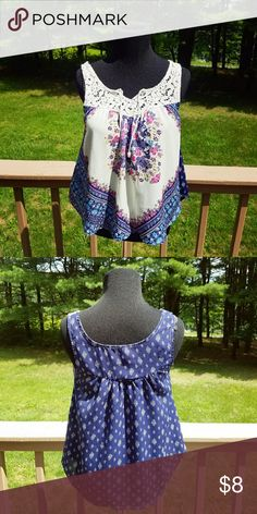 Adorable Blue and White Printed Blouse In like new condition! Very stylish! Size Extra Small Tops Blouses