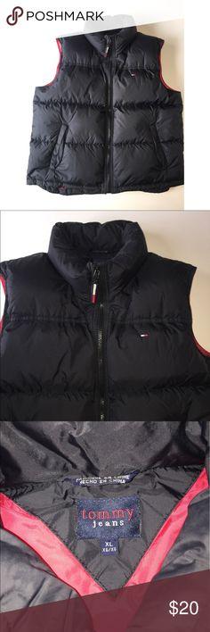 Women's Tommy Hilfiger Puffer Vest Size XL Women's Tommy Hilfiger Puffer Vest in good condition! Size XL Tommy Hilfiger Jackets & Coats Vests