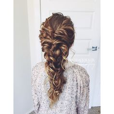 2016 trends for Prom hairstyles - deconstructed (messy) braids, curls. Natural vs. super polished look.