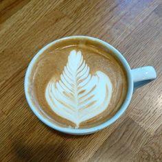 Rosetta latte art #lattelove #latteart #latte #lattelife #coffeetime #coffee #instabarista #instacoffee #coffeeart #coffeeaddict #barista #barista #baristalavazza #baristalife by jamesbaines11