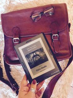 """#VendrediLecture de Ju Lie """"j'ai lu une petite nouvelle de Claire Abadie. Au top !"""" Excursion, Claire, Satchel, Community, Board, Reading, Satchel Purse, Sign, Crossbody Bag"""