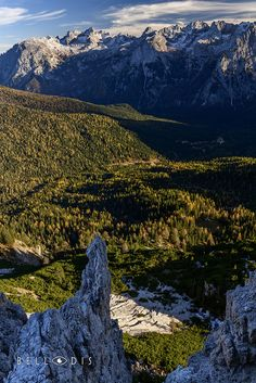 https://flic.kr/p/ZX8ynG | 170891  Autumn panorama on the Dolomites