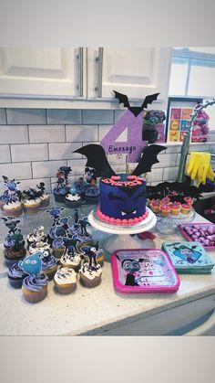 2nd Birthday Party For Girl, Donut Birthday Parties, Fourth Birthday, Birthday Ideas, Bear Party, Baby Halloween, Party Cakes, Birthdays, Party Ideas