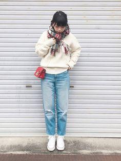 外は寒いのでストールぐるぐる巻きです! 色んな編み方のlagunaのニットも暖かい♡ おみくじは大吉