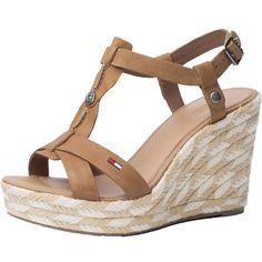 Braune Sandaletten mit Keilabsatz ab 119,90€ ♥ Hier kaufen: http://stylefru.it/s931313 #beige #tommyhilfiger #keil