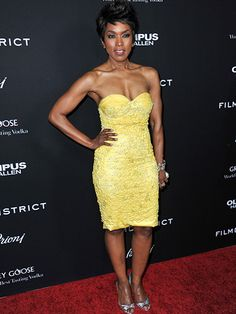 Angela Bassett will play Marie Laveau on American Horror Story: Coven