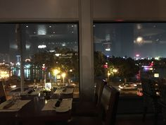 ELMENS ELREVIEWS: Vivo  One of the few hidden gems in Cairo Nightlife Vivo restaurant. If you havent tried it yet now is the time!  Amazing Nile View! Located at the Nile Ritz Carlton the restaurant opens from 6 pm and has one of the best Italian cuisine we ever tried. The restaurant has a lovely view of the Nile. The atmosphere is modern with a twist.  We went there for a celebration. The staff especially Hesham are awesome and did everything to please us. They brought us complimentary soup…