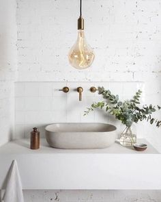 Love everything about the sink in this bathroom