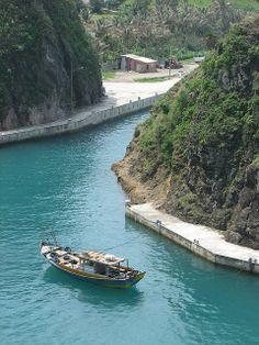Boat-Batanes Islands-Philippines