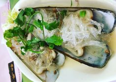 This month, I set out to come up with a list of five restaurants that serve traditional, Cantonese food right here on Hong Kong Island. I am grateful to my Hong Kong friends who helped in this endeavor. The restaurants are listed in reverse order of comfort and décor. Mun Sing Bing Sutt Bing sutt ...