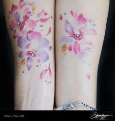 Algo diferente. Flor en antebrazos. Diseño de cliente. #PacoYef #Tattoo #Tatuajes #ink #girls #flores #colores