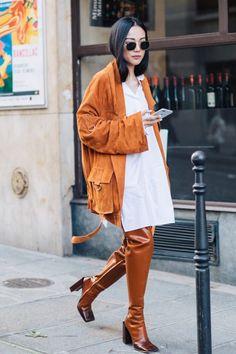 Street Style auf der Fashion Week Herbst-Winter in Paris - Uber Mode Street Style 2017, Autumn Street Style, Street Chic, Street Styles, Fashion Week Paris, Paris Street Fashion, Milan Fashion, Catwalk Fashion, Paris Street Styles
