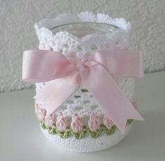 Potje door happyhaak Crochet Bowl, Thread Crochet, Crochet Lace, Crochet Jar Covers, Confection Au Crochet, Crochet Kitchen, Mason Jar Crafts, Mason Jar Art, Crochet Gifts