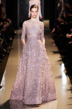 Elie Saab Spring 2013 Couture Runway - Elie Saab Haute Couture Collection - Elie Saab, you are a genius. Elie Saab Haute Couture, Style Haute Couture, Spring Couture, Couture Fashion, Runway Fashion, Couture Bridal, Couture Dresses, Fashion Dresses, Robes Elie Saab