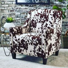 Elysabeth Cow Print Velvet Club Chair by Christopher Knight Home (Milk Cow + Dark Brown)(Polyester) Rustic Living Room Furniture, Pallet Furniture, Living Room Chairs, Living Room Decor, Bedroom Decor, Dining Room, Entryway Furniture, Bedroom Ideas, Dining Chairs