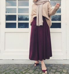 Super fashion hijab syari casual 57 ideas Source by hijab Hijab Outfit, Hijab Skirt, Hijab Style Dress, Modest Fashion Hijab, Modern Hijab Fashion, Street Hijab Fashion, Islamic Fashion, Hijab Chic, Muslim Fashion