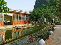 Yangshuo Yangshuo CTN Cabins Retreat Hotel China, Asia Yangshuo CTN Cabins Retreat Hotel is a popular choice amongst travelers in Yangshuo, whether exploring or just passing through. The hotel offers a high standard of service and amenities to suit the individual needs of all travelers. To be found at the hotel are free Wi-Fi in all rooms, luggage storage, Wi-Fi in public areas, car park, room service. Comfortable guestrooms ensure a good night's sleep with some rooms featurin...