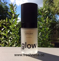 ringana adds glow  wirkt gegen pigmentflecken und bringt die haut zum strahlen! außerdem schützt es die haut vor negativen umwelteinflüssen. shop now: www.freshness.cc ☀️ #naturkosmetik #vegancosmetics