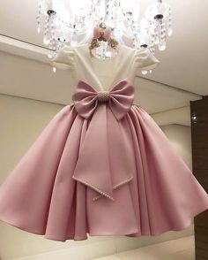 Kids dress for wedding Girls Pageant Dresses, Girls Formal Dresses, Gowns For Girls, Frocks For Girls, Little Girl Dresses, Kid Dresses, Princess Dresses For Kids, Pink Dresses For Kids, Girls Communion Dresses