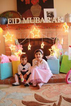 Eid decoration, eid mubarak, eid party city, why is eid celebrated, eid today Eid Crafts, Ramadan Crafts, Muslim Holidays, Holidays And Events, Eid Mubarak, Fest Des Fastenbrechens, Eid Ramadan, Eid Eid, Islamic Celebrations