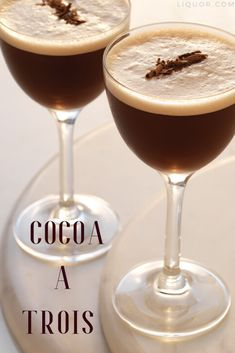 Cocoa À Trois The best things come in three like this chocolate, vodka and egg white concoction. An elegant spin on the Chocolate Martini, the Cocoa-a-Trois is the sweet treat you and your two best friends can enjoy together. – Cocktails and Pretty Drinks New Years Cocktails, Festive Cocktails, Cocktail Desserts, Vodka Cocktails, Christmas Cocktails, Cocktail Drinks, Cocktail Ideas, Halloween Cocktails, Martinis