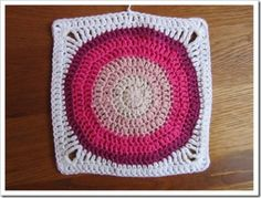 how to #crochet circle in square pattern