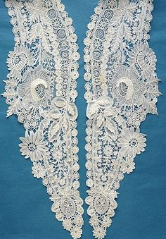 Beautiful antique/vintage Brussels Point de Gaze lace collar