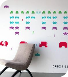 Stickers muraux  Space Invaders par Taito - couleurs assorties - taille moyenne - RePositionnables