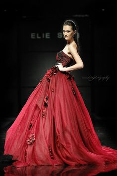 Elie Saab Haute Couture #red, #design, https://facebook.com/apps/application.php?id=106186096099420