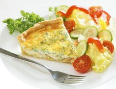 Кишът е подходящ за закуска, обяд и вечеря. Можете да го поднесете и топъл, и студен - еднакво вкусен е.