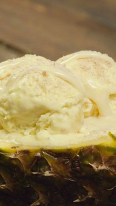 Pineapple ice cream - To cool you in those hot days - My Recipes, Mexican Food Recipes, Baking Recipes, Dessert Recipes, Decoration Patisserie, Tasty, Yummy Food, Ice Cream Recipes, Parfait