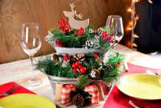127 festive christmas table decorations to brighten up your feast - page 18 > Homemytri. Christmas Table Centerpieces, Country Christmas Decorations, Farmhouse Christmas Decor, Rustic Christmas, Xmas Decorations, Simple Christmas, Christmas Crafts, Holiday Decor, Christmas Holiday
