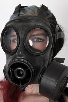 Scuba Diving School – Where to learn How To Dive Gas Mask Drawing, Scuba Diving Pictures, Gas Mask Girl, Plague Mask, Breathing Mask, Scuba Girl, Respirator Mask, Heavy Rubber, Diving School