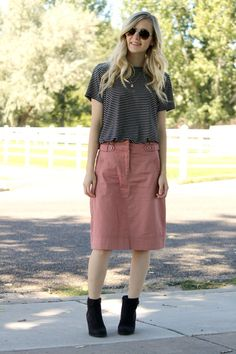 90's vibes, 90's trends, black ankle booties, dusty rose skirt, cargo skirt, midi skirt, striped tee, rose quartz necklace, dainty necklace, feminine style, girly 90's look, fall fashion, early fall style, fall style, trends, trendy look, trendy girl, mauve, black and white tee, black and white stripes, stripes in bloom blog, fashion blogger