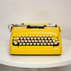 My design inspiration: Smith Corona 5 Series Yellow on Fab. Retro Vintage, Vintage Yellow, Image Zen, Antique Typewriter, Corona Typewriter, Decoration Inspiration, Design Inspiration, Vintage Typewriters, Yellow Submarine