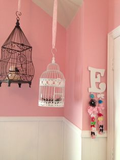 Fancy, but cute Bird nursery Bird Theme Nursery, Travel Theme Nursery, Rose Nursery, Star Nursery, Baby Girl Nursery Decor, Elephant Nursery, Nursery Themes, Themed Nursery, Hanging Bird Cage